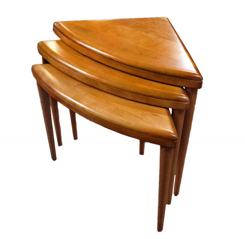 Superieur Triangle Nesting Tables